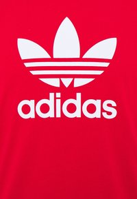 adidas Originals - TREFOIL UNISEX - T-shirt imprimé - scarle - 2