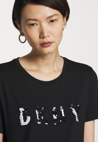 DKNY - SEQUIN LOGO - T-shirts print - black/white - 3