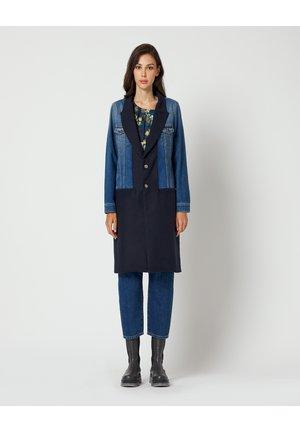 Classic coat - medium blue