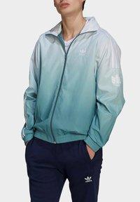 adidas Originals - ADICOLOR 3D TREFOIL 3-STRIPES OMBRÉ TRACK TOP - Training jacket - white - 3