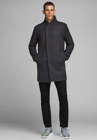Jack & Jones PREMIUM - JPRCOLLUM - Short coat - dark grey melange - 1