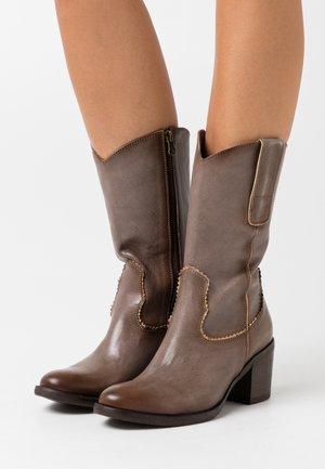 LISETE - Vysoká obuv - old iron taupe