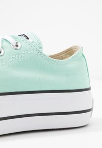 Converse - CHUCK TAYLOR ALL STAR LIFT SEASONAL - Joggesko - ocean mint/white/black - 2