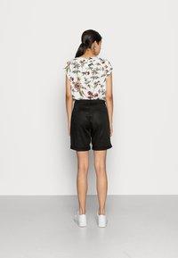 Vila - VICHINO - Shorts - black - 2