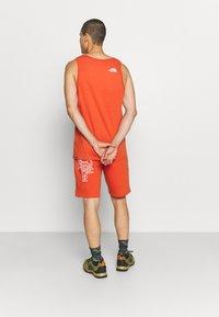 The North Face - SUMMER SHORT - Pantalón corto de deporte - burnt ochre - 2