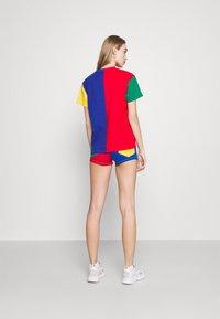 Karl Kani - SIGNATURE BLOCK TEE - Print T-shirt - multicolor - 2
