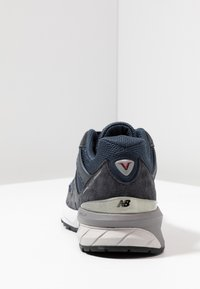 New Balance - W990 - Trainers - navy/silver - 5