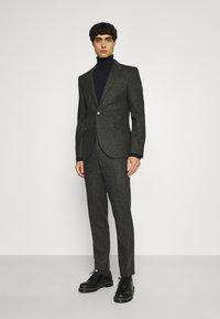 Shelby & Sons - CRANBROOK SUIT - Suit - khaki - 0