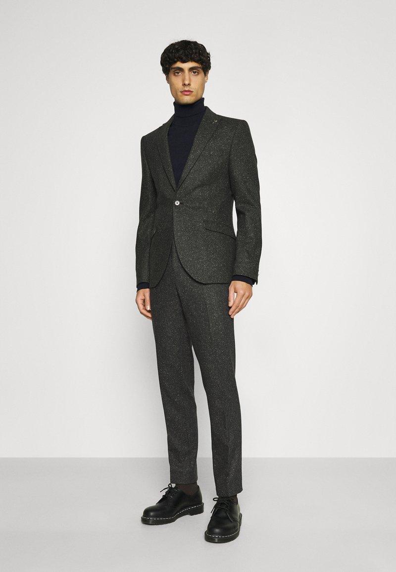 Shelby & Sons - CRANBROOK SUIT - Suit - khaki