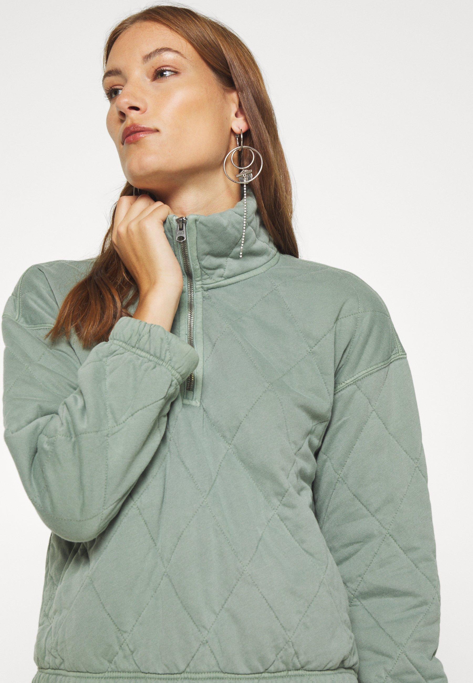 Abercrombie & Fitch QUILTED ZIP Lett jakke green
