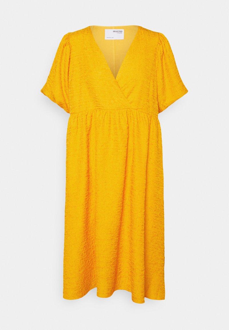 Selected Femme Petite - SLFLISSY MIDI WRAP DRESS - Day dress - citrus