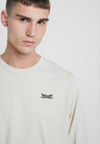Levi's® - RELAXED GRAPHIC TEE - Långärmad tröja - fog - 4