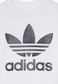 adidas Originals - TREFOIL SHORTS TEE SET - Kraťasy - black/white - 3