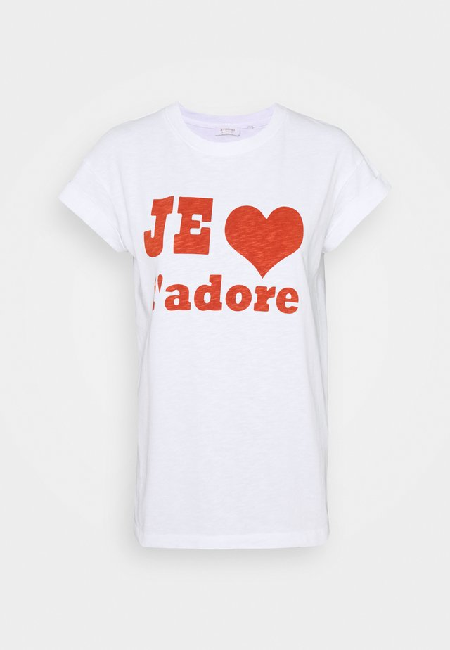 WITH JE T'ADORE PRINT - Print T-shirt - rusty red