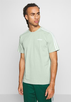 ESSENTIALS SPORTS SHORT SLEEVE TEE - T-shirt con stampa - green/white