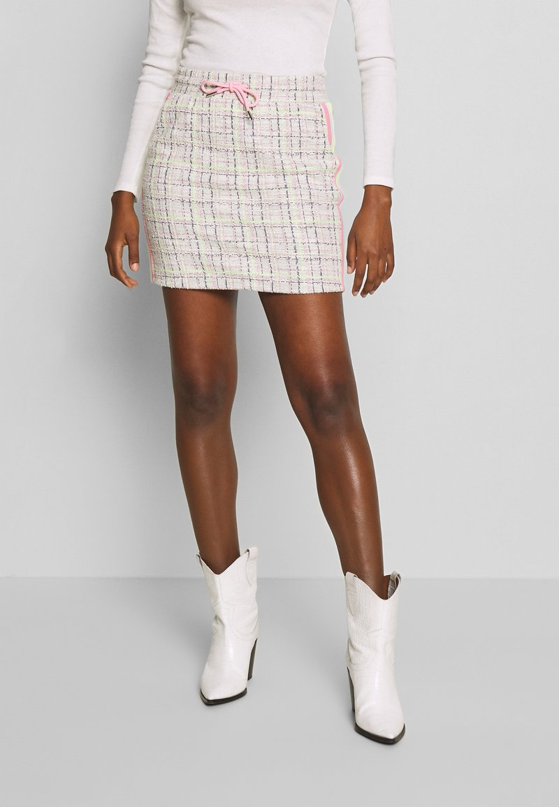Rich & Royal - SKIRT WITH TAPES - Mini skirt - pearl white