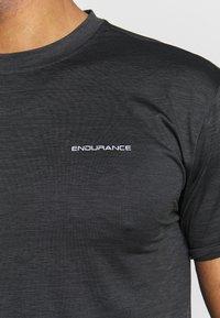 Endurance - MELANGE TEE - Camiseta básica - black - 4