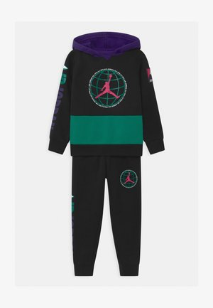 MOUNTAINSIDE SET - Tracksuit - black