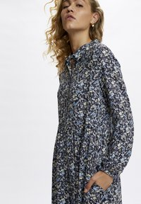 Denim Hunter - Day dress - total eclipse flora print - 3