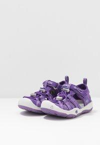 Keen - MOXIE  - Chodecké sandály - royal purple/vapor - 3