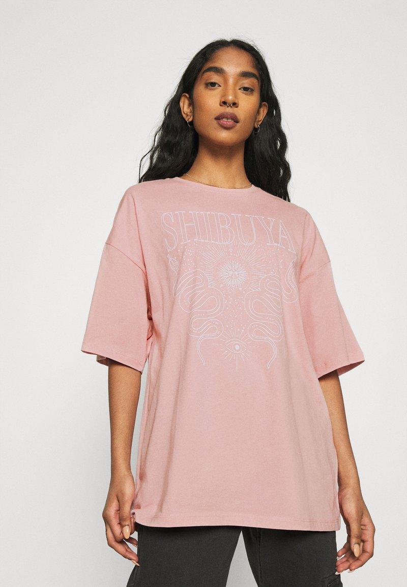 Even&Odd - T-shirts med print - pink