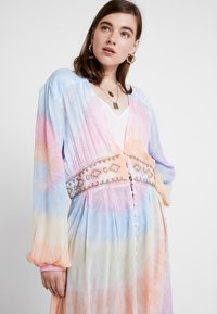 Free People - SUMMER OF LOVE KIMONO - Summer jacket - multi - 3