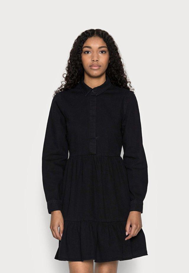 VMMARIA FRILL SHORT DRESS - Vestito di jeans - black