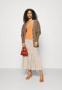 JUST FEMALE - ETIENNE SKIRT - A-line skirt - cobblestone - 1