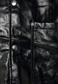 Weekday - BRYANT PATENT OVERSHIRT UNISEX - Shirt - black - 2