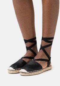 Vero Moda - VMVIRA - Sandals - black - 0