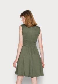 Anna Field - CACHE COEUR PRINTED DRESS - Jersey dress - dark green - 2