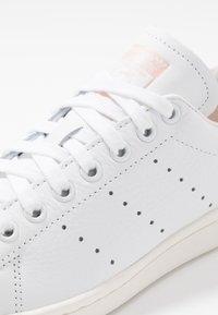 adidas Originals - STAN SMITH - Trainers - footwear white/vapor pink/offwhite - 5