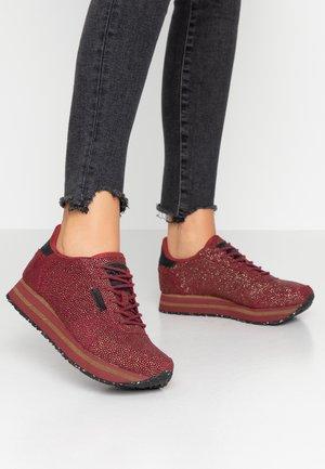YDUN PEARL PLATEAU - Sneakers basse - cabernet