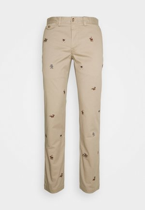 SLIM FIT BEDFORD PANT - Chinosy - tan
