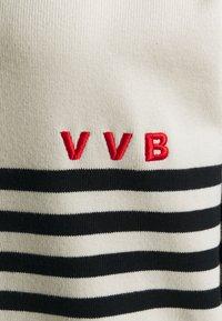 Victoria Victoria Beckham - STRIPED - Jersey de punto - ivory - 2