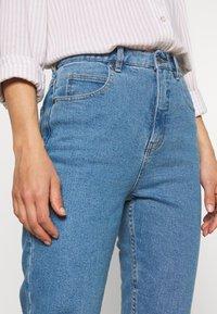 Afends - BLONDIES - Slim fit jeans - classic blue - 4
