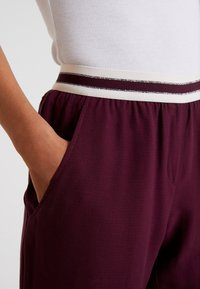 Betty & Co - LANG - Trousers - purple red - 5