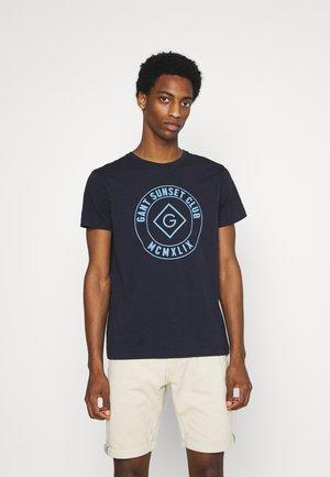 SUNSET CLUB - T-shirt med print - evening blue