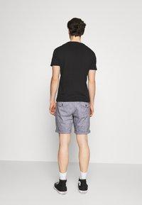 Jack & Jones PREMIUM - JJIMILTON CHINO - Shorts - navy blazer - 2