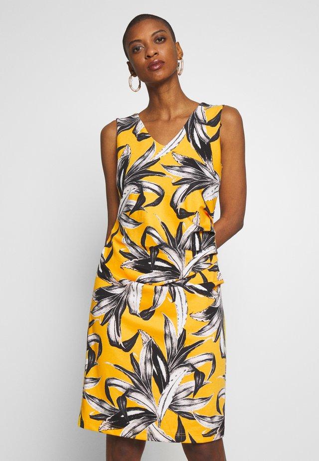 SAHNE DRESS - Jersey dress - golden rod