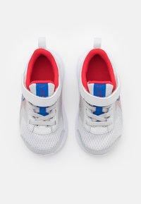 Nike Performance - DOWNSHIFTER 11  - Zapatillas de running neutras - photon dust/game royal/university red/white - 3
