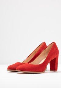 Clarks - KAYLIN CARA - Classic heels - red - 4