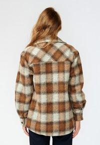Noella - VIKSA - Short coat - brown checks - 1