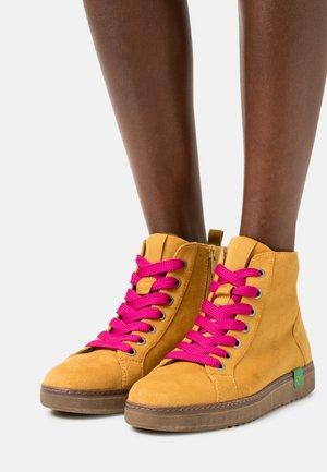 VEGAN - Ankle boots - saffron/pink