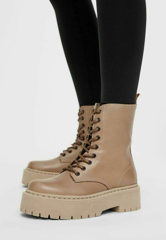 BIADEB LACED UP BOOT - Botki na platformie - lightbrown
