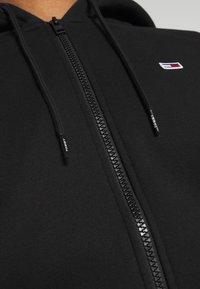 Tommy Jeans - REGULAR ZIP HOOD - Vetoketjullinen college - black - 4