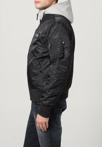 Alpha Industries - Light jacket - black/grey - 3