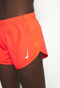 Nike Performance - TEMPO RACE SHORT - Pantaloncini sportivi - bright crimson/silver - 4