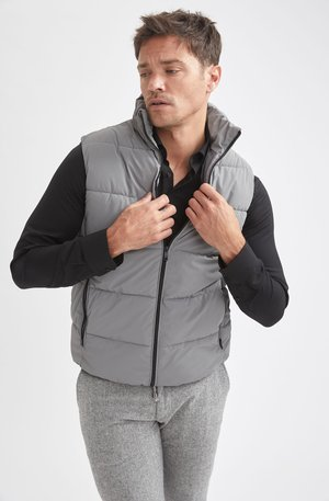 SLIM FIT - Waistcoat - grey