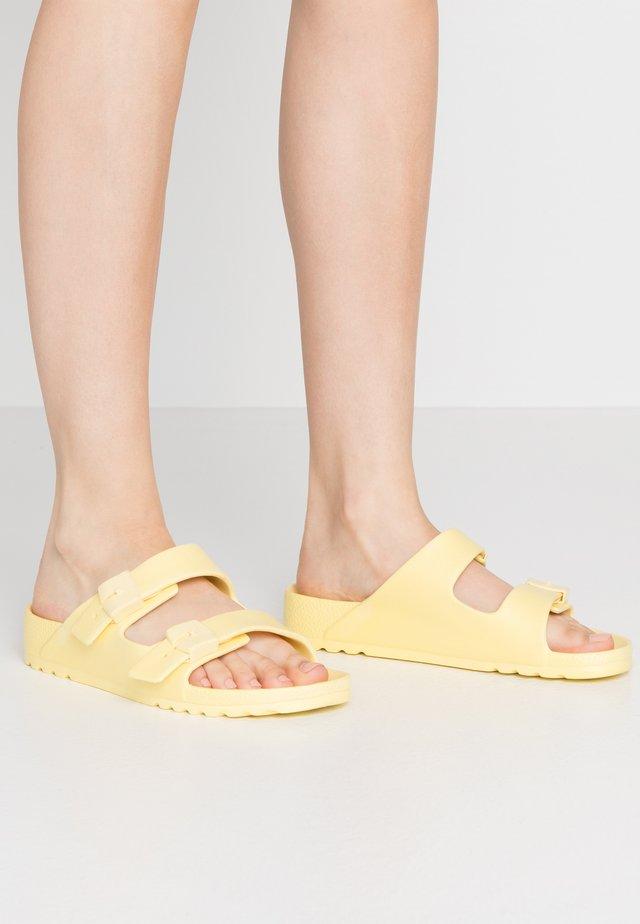 SHO BAHIA - Tohvelit - jaune claire